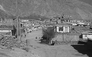 Jomsom in black and white