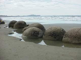 Giant Boulders on the way to Christchurch