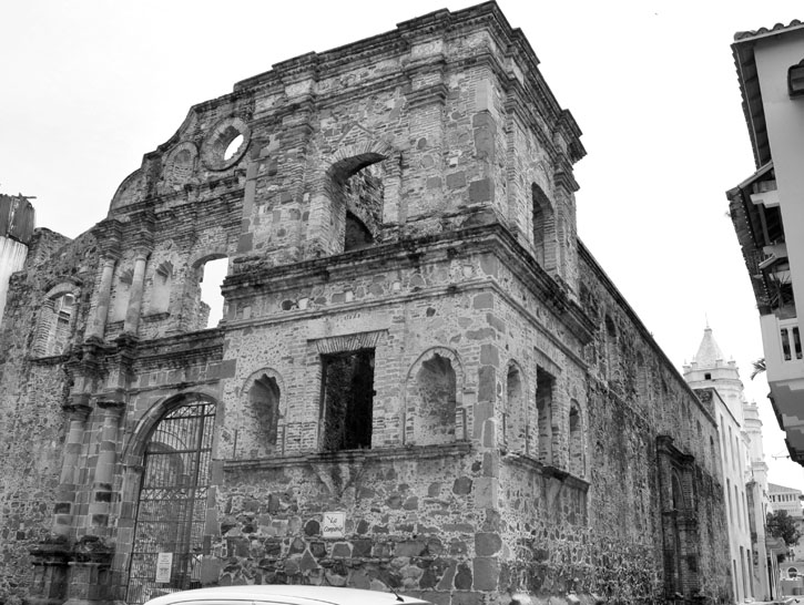 Ruins of old church in Casco Viejo.