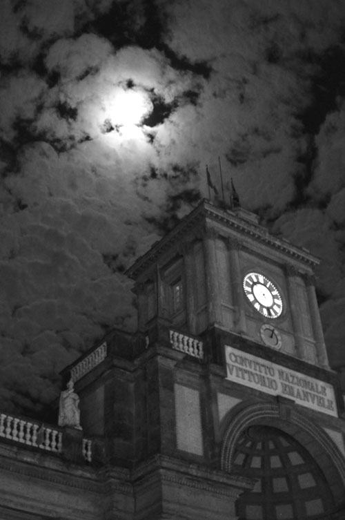 Piazza Dante at night with full moon.