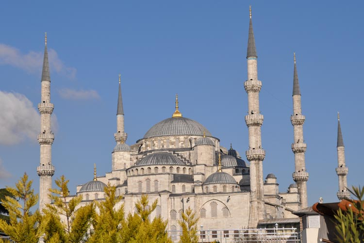 Visiting the Blue Mosque in Istanbul Turkey; Tips and Photos