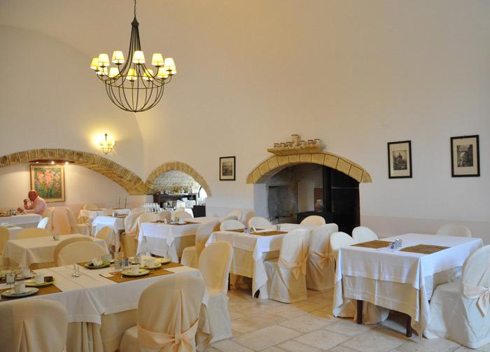 Masseria Salamina dining room