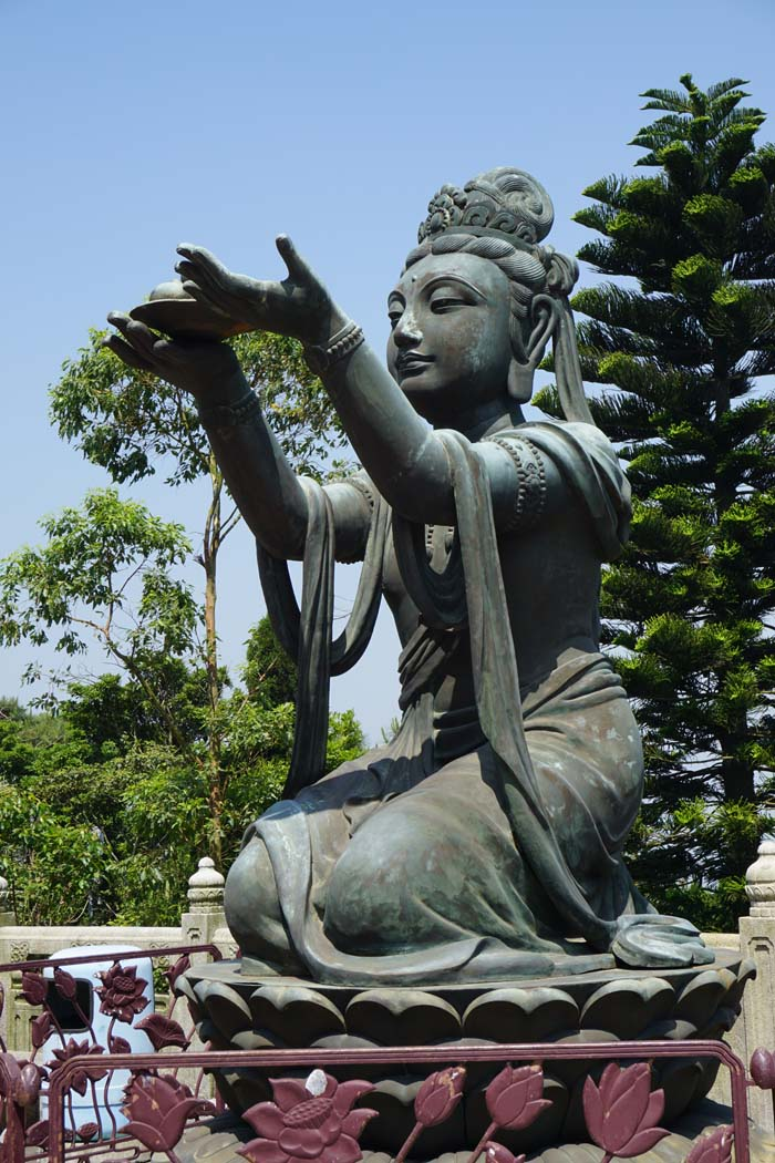 Tian Tan Statue
