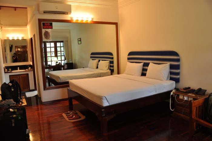 Myanmar Life Hotel room