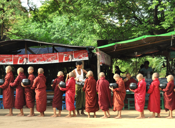 BaganMonks