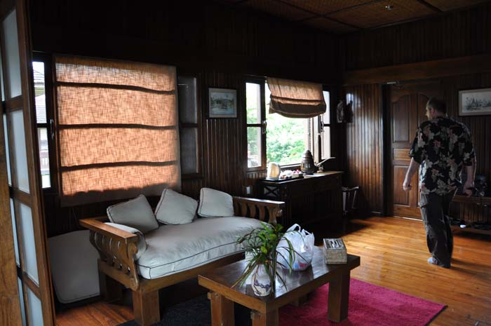 Inle Resort Lake Front Royal Villa living room