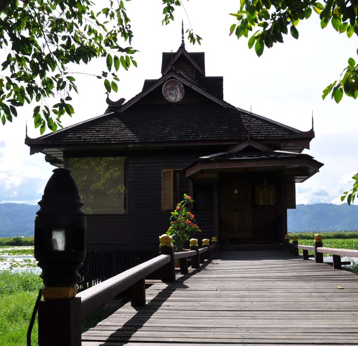 Inle Resort Lake Front Royal Villa