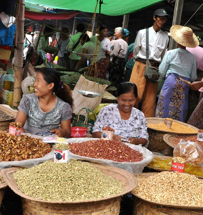 Market on Inle Lake (15)