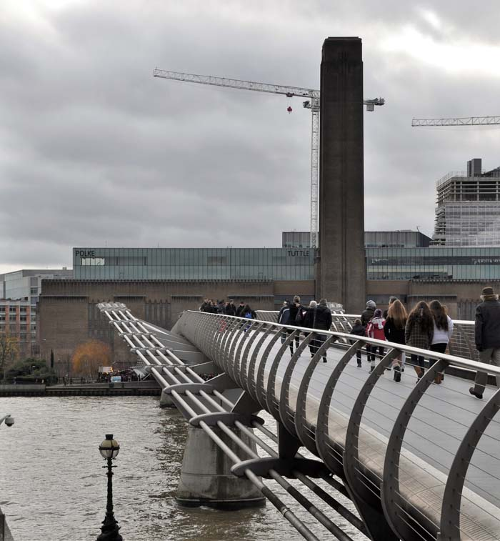 The Millennium Bridge over to the Tate Modern