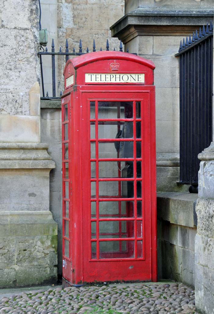 Oxford red telephone booth