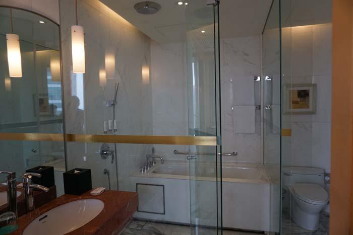 Le Meridien Shanghai Bathroom