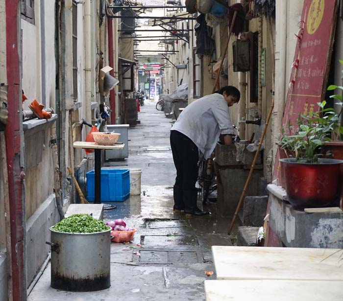 Restaurant prep in a Shanghai alley