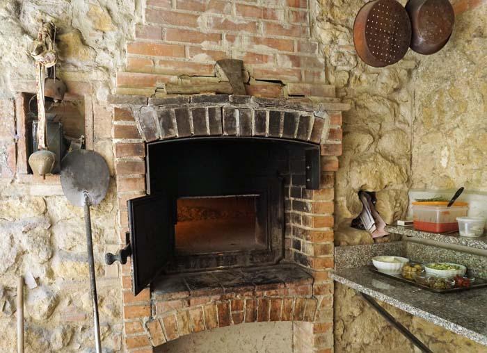 Pizza oven at Il Casale Farm