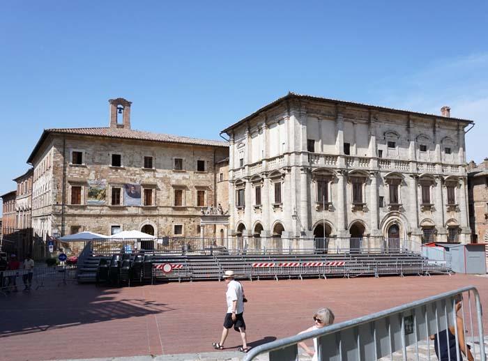 Montepulciano main piazza